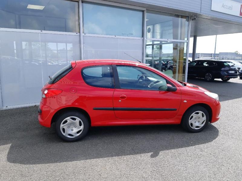 Photo 2 de l'offre de PEUGEOT 206 + 1.4 ACCESS 3P à 5290€ chez Carlyss automobiles Vitré