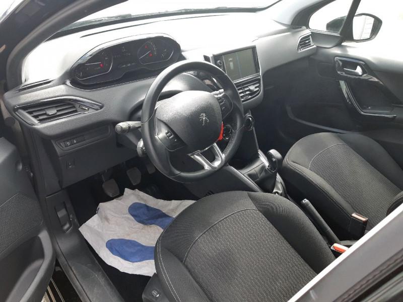 Photo 5 de l'offre de PEUGEOT 208 1.2 PURETECH 82CH ACTIVE 5P à 9290€ chez Carlyss automobiles Vitré