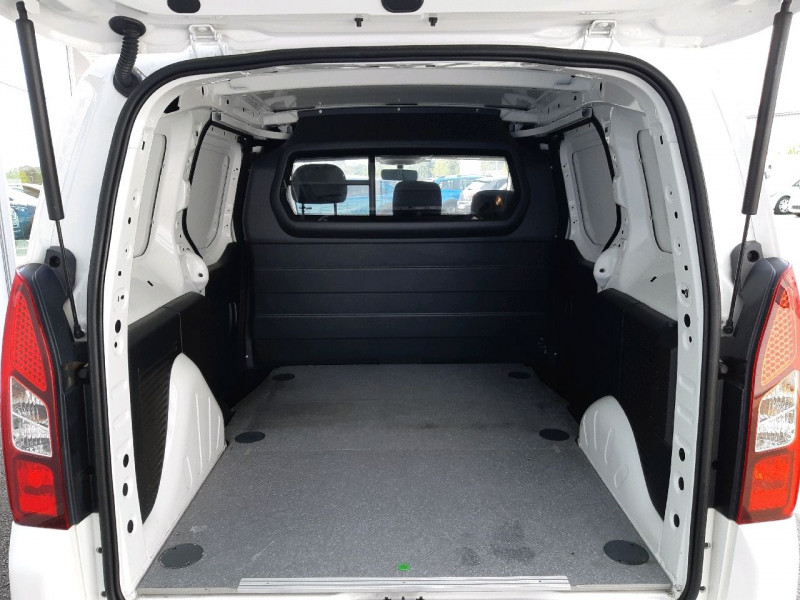 Photo 6 de l'offre de CITROEN BERLINGO 20 L1 1.6 BLUEHDI 75 CONFORT à 11790€ chez Carlyss automobiles Vitré