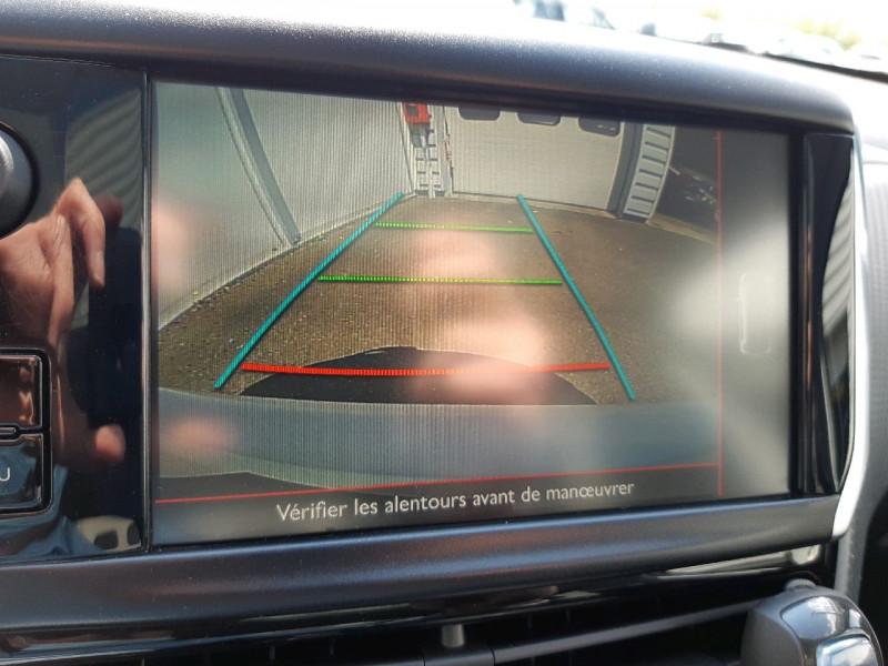 Photo 17 de l'offre de PEUGEOT 208 1.2 PURETECH 110CH GT LINE S&S EAT6 5CV 5P à 13790€ chez Carlyss automobiles Vitré