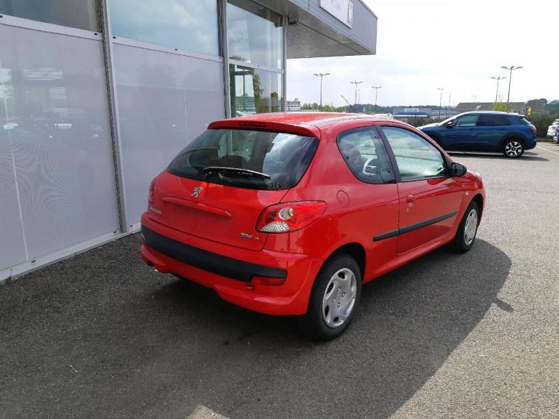 Photo 3 de l'offre de PEUGEOT 206 + 1.4 ACCESS 3P à 5290€ chez Carlyss automobiles Vitré