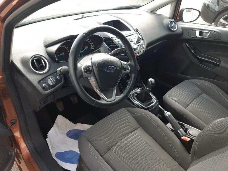 Photo 5 de l'offre de FORD FIESTA 1.0 ECOBOOST 100CH STOP&START TITANIUM 5P à 7290€ chez Carlyss automobiles Vitré