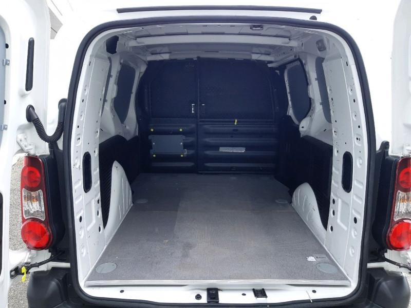 Photo 5 de l'offre de CITROEN BERLINGO XL 1.6 BLUEHDI 100 CLUB à 12390€ chez Carlyss automobiles Vitré