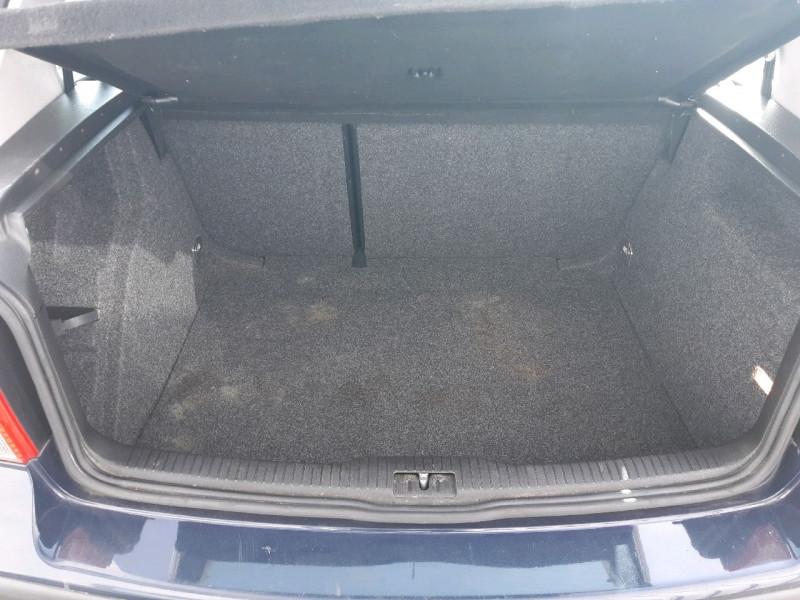 Photo 8 de l'offre de VOLKSWAGEN GOLF IV 1.4 75CH 3P à 3490€ chez Carlyss automobiles Vitré