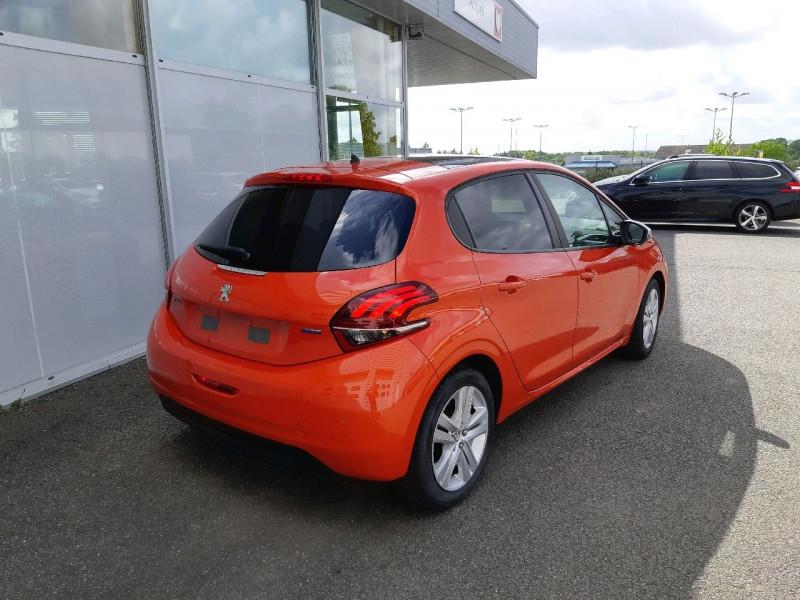 Photo 3 de l'offre de PEUGEOT 208 1.2 PURETECH 82CH STYLE 5P à 10790€ chez Carlyss automobiles Vitré