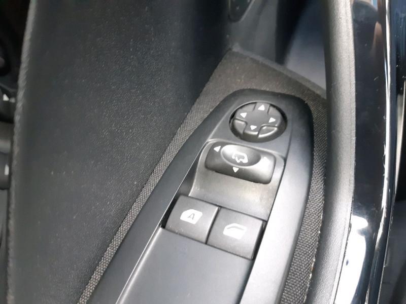 Photo 11 de l'offre de PEUGEOT 208 1.2 PURETECH 82CH STYLE 5P à 10790€ chez Carlyss automobiles Vitré