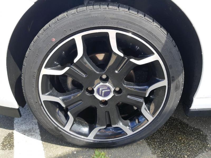 Photo 5 de l'offre de CITROEN DS3 1.2 VTI PURETECH SO CHIC à 9990€ chez Carlyss automobiles Vitré