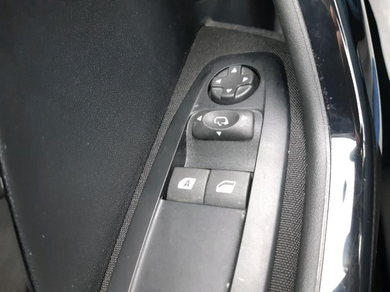 Photo 11 de l'offre de PEUGEOT 208 1.2 PURETECH 82CH ACTIVE 5P à 10490€ chez Carlyss automobiles Vitré