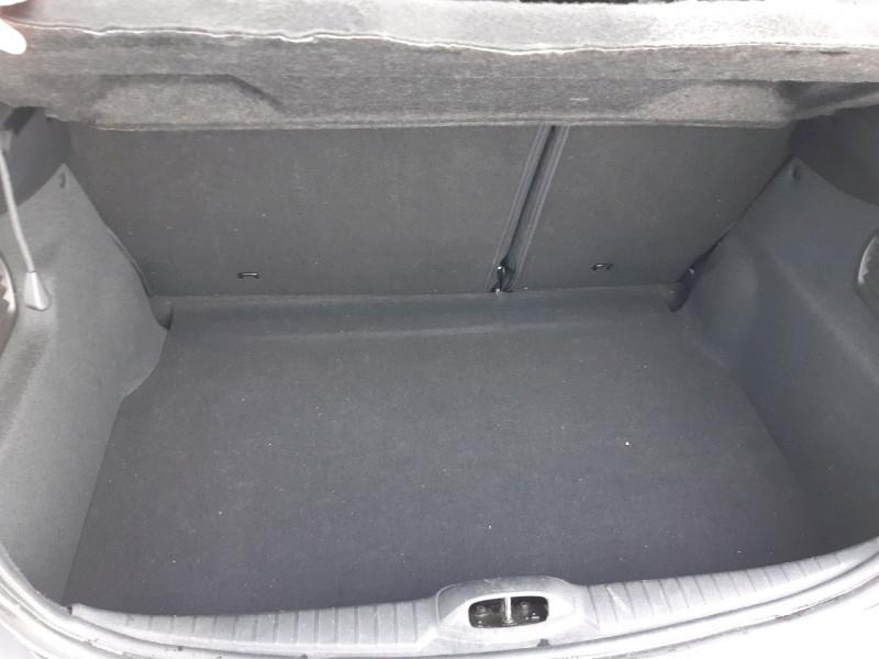 Photo 9 de l'offre de PEUGEOT 208 1.6 BLUEHDI 100CH ACTIVE 5P à 8990€ chez Carlyss automobiles Vitré