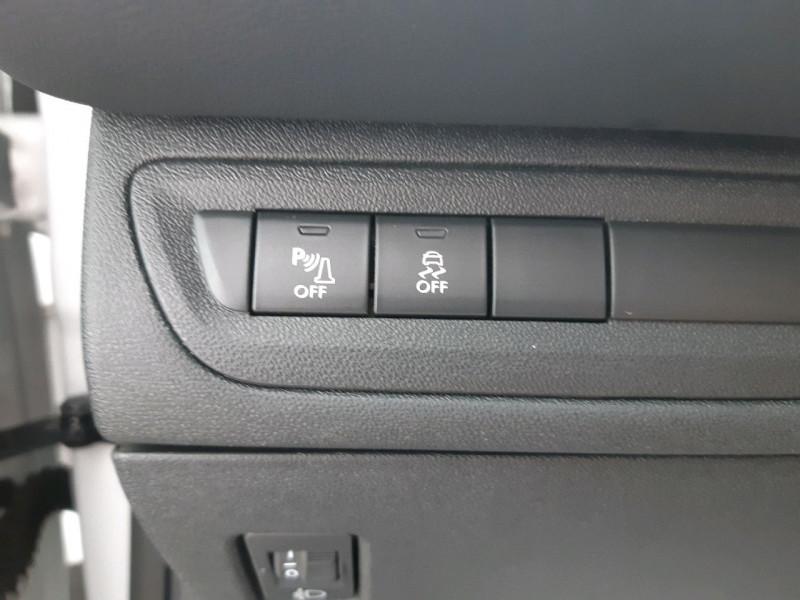 Photo 10 de l'offre de PEUGEOT 208 1.2 PURETECH 68CH ACTIVE 5P à 9790€ chez Carlyss automobiles Vitré