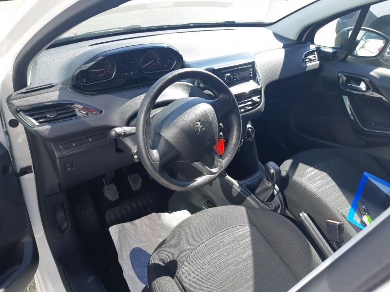 Photo 5 de l'offre de PEUGEOT 208 1.2 PURETECH 68CH ACCESS 5P à 8490€ chez Carlyss automobiles Vitré