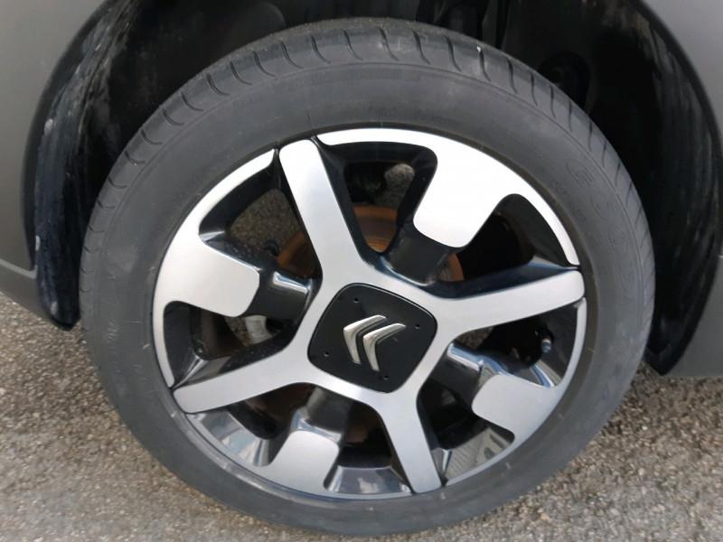Photo 4 de l'offre de CITROEN C3 BLUEHDI 100CH SHINE BUSINESS S&S à 11990€ chez Carlyss automobiles Vitré
