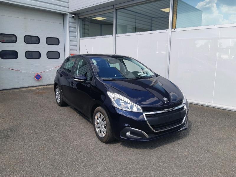 Photo 1 de l'offre de PEUGEOT 208 1.2 PURETECH 82CH ACTIVE 5P à 11990€ chez Carlyss automobiles Vitré