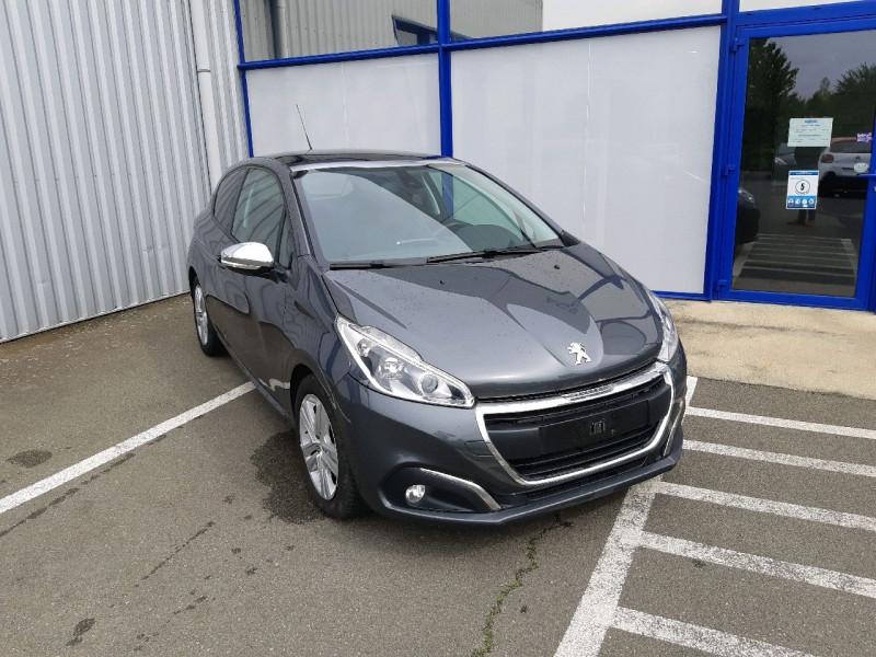 Photo 1 de l'offre de PEUGEOT 208 1.6 BLUEHDI 100CH STYLE 3P à 9790€ chez Carlyss automobiles Vitré