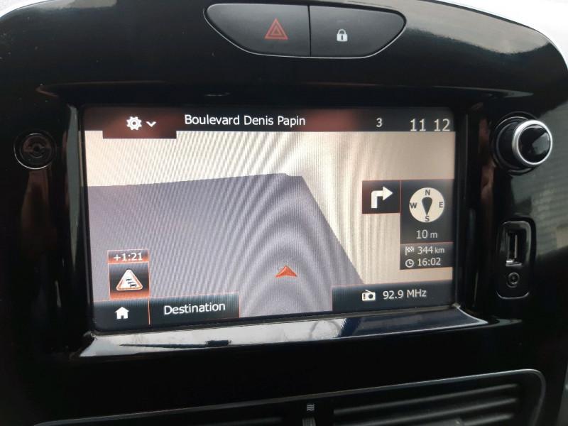 Photo 9 de l'offre de RENAULT CLIO IV ESTATE 0.9 TCE 90CH ENERGY BUSINESS à 11490€ chez Carlyss automobiles Vitré