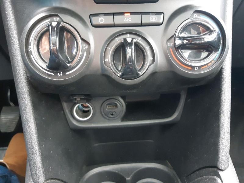 Photo 11 de l'offre de PEUGEOT 208 1.6 BLUEHDI 100CH STYLE 3P à 9790€ chez Carlyss automobiles Vitré