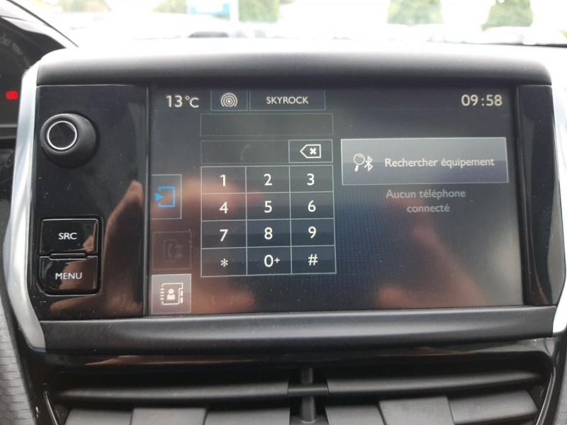 Photo 12 de l'offre de PEUGEOT 208 1.6 BLUEHDI 100CH STYLE 3P à 9790€ chez Carlyss automobiles Vitré