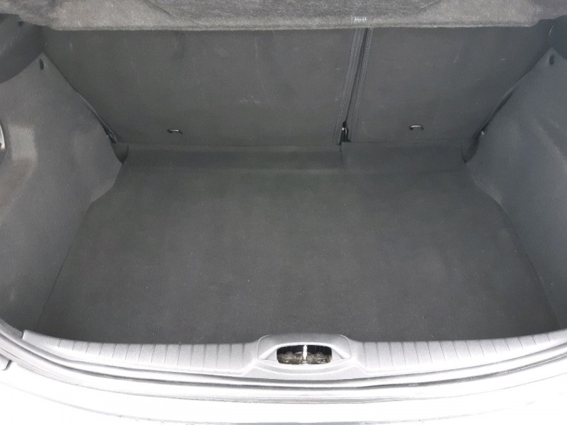 Photo 8 de l'offre de PEUGEOT 208 1.6 BLUEHDI 100CH STYLE 3P à 9790€ chez Carlyss automobiles Vitré