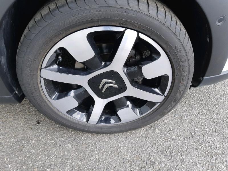 Photo 4 de l'offre de CITROEN C3 PURETECH 82CH SHINE BUSINESS à 11990€ chez Carlyss automobiles Vitré