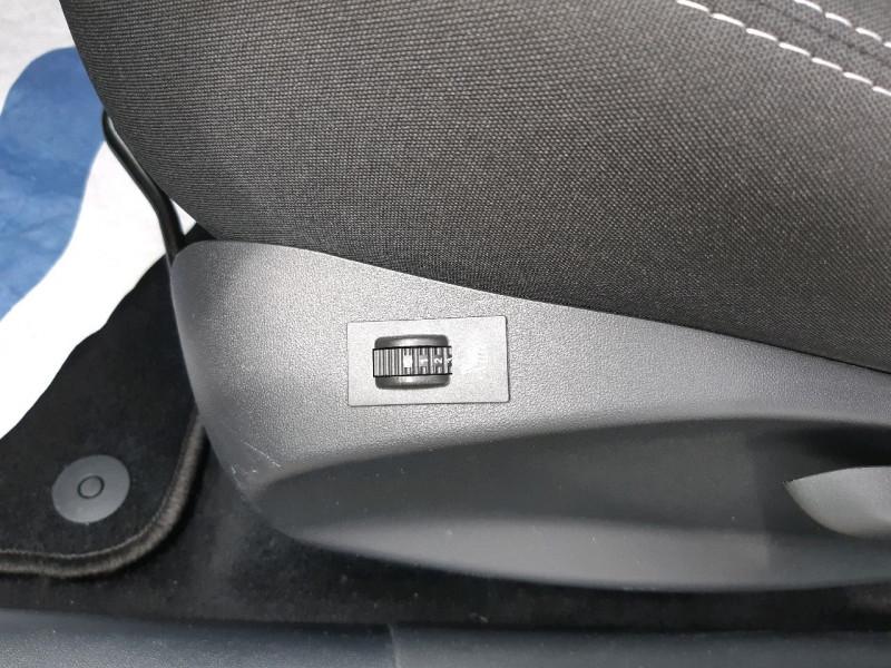 Photo 9 de l'offre de PEUGEOT 208 1.2 PURETECH 82CH ACTIVE 5P à 9290€ chez Carlyss automobiles Vitré