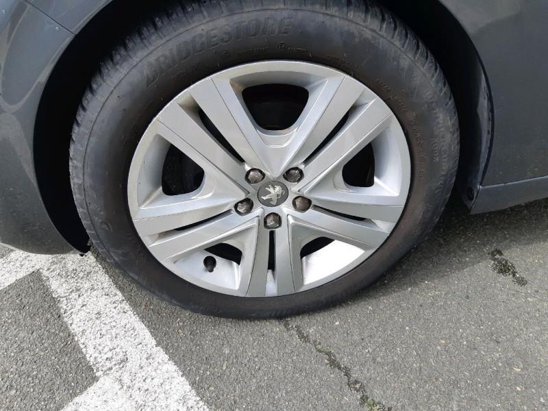 Photo 3 de l'offre de PEUGEOT 208 1.6 BLUEHDI 100CH STYLE 3P à 9790€ chez Carlyss automobiles Vitré