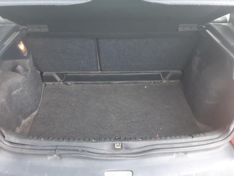 Photo 8 de l'offre de RENAULT CLIO II 1.2 60CH CAMPUS 5P à 3490€ chez Carlyss automobiles Vitré