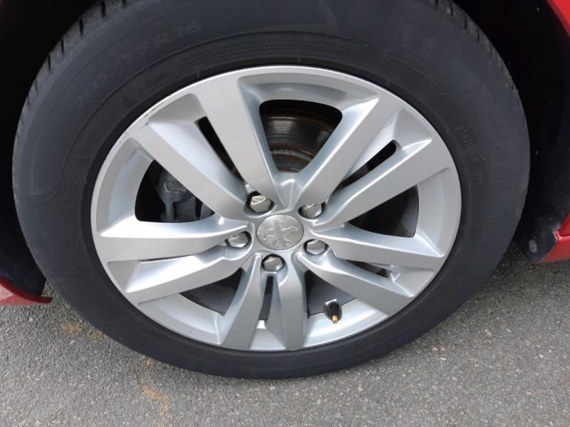 Photo 4 de l'offre de PEUGEOT 308 1.6 BLUEHDI 100CH STYLE S&S 5P à 12790€ chez Carlyss automobiles Vitré