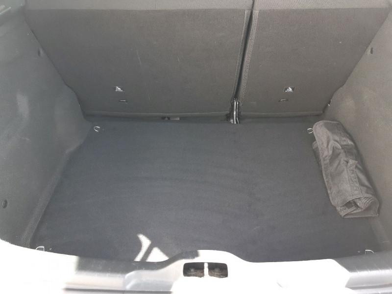 Photo 5 de l'offre de CITROEN C4 CACTUS BLUEHDI 100 FEEL BUSINESS à 11490€ chez Carlyss automobiles Vitré