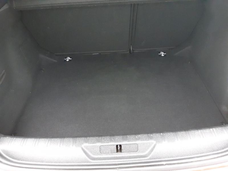 Photo 7 de l'offre de PEUGEOT 308 1.6 BLUEHDI 100CH STYLE S&S 5P à 12790€ chez Carlyss automobiles Vitré