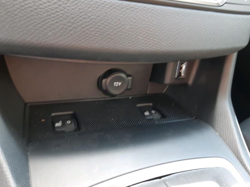 Photo 14 de l'offre de PEUGEOT 308 SW 1.5 BLUEHDI 130CH S&S ALLURE à 20990€ chez Carlyss automobiles Vitré