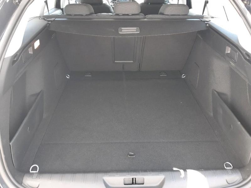 Photo 6 de l'offre de PEUGEOT 308 SW 1.5 BLUEHDI 130CH S&S ALLURE à 20990€ chez Carlyss automobiles Vitré