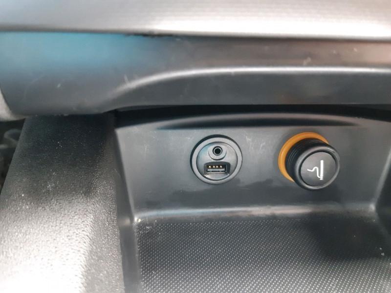 Photo 12 de l'offre de CITROEN C4 BLUEHDI 120CH MILLENIUM BUSINESS S&S à 11990€ chez Carlyss automobiles Vitré