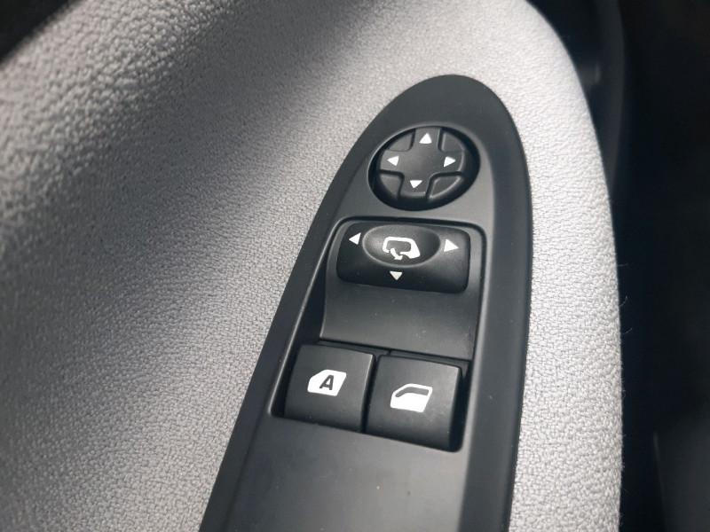 Photo 9 de l'offre de CITROEN DS3 1.2 VTI PURETECH SO CHIC à 8490€ chez Carlyss automobiles Vitré