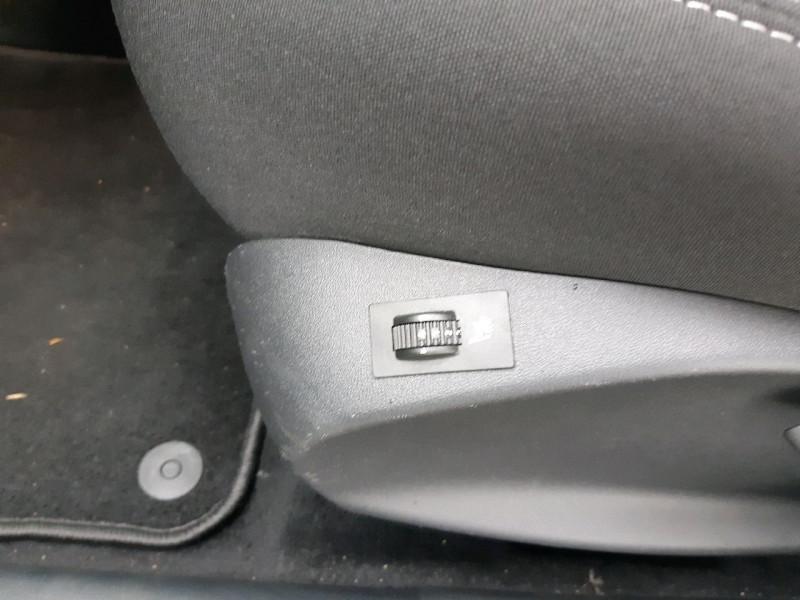 Photo 9 de l'offre de PEUGEOT 208 1.2 PURETECH 110CH ALLURE S&S 5P à 10490€ chez Carlyss automobiles Vitré