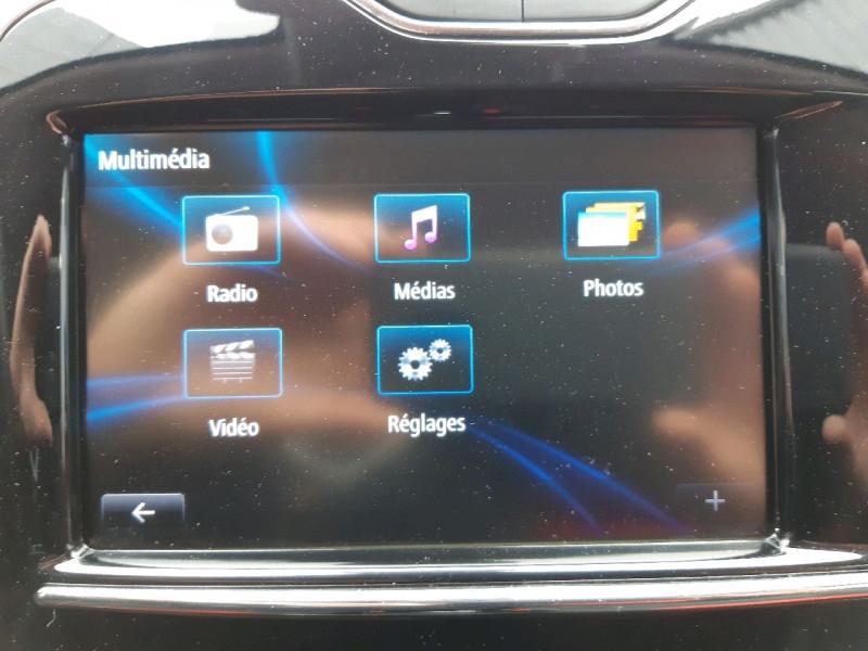 Photo 15 de l'offre de RENAULT CLIO IV ESTATE 0.9 TCE 90CH ENERGY ZEN ECO² à 7990€ chez Carlyss automobiles Vitré