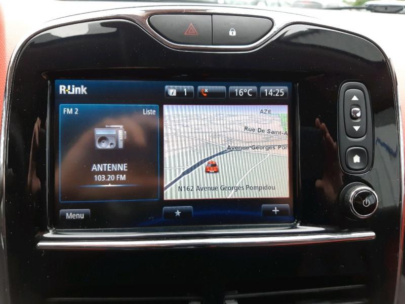 Photo 11 de l'offre de RENAULT CLIO IV ESTATE 0.9 TCE 90CH ENERGY ZEN ECO² à 7990€ chez Carlyss automobiles Vitré