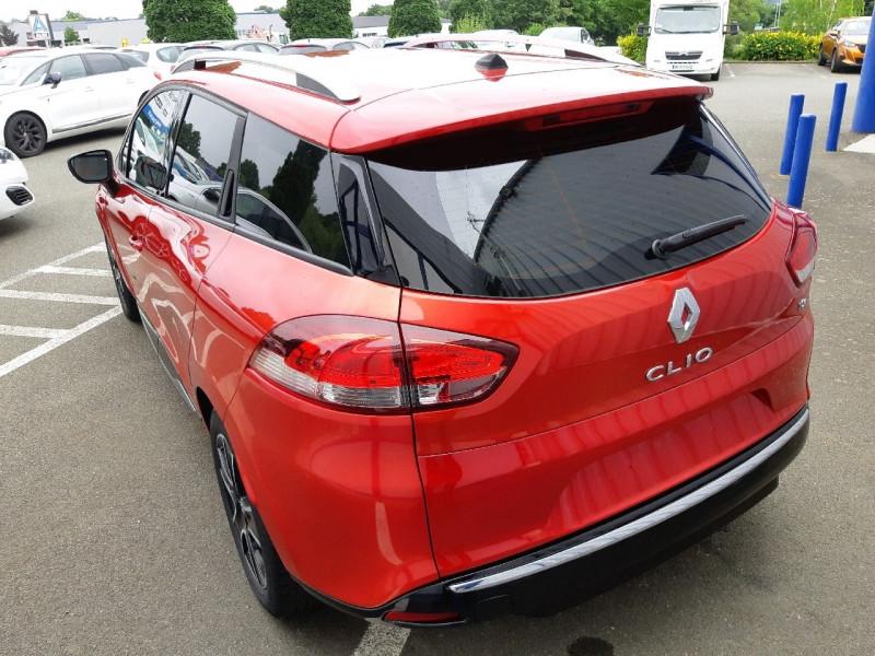 Photo 3 de l'offre de RENAULT CLIO IV ESTATE 0.9 TCE 90CH ENERGY ZEN ECO² à 7990€ chez Carlyss automobiles Vitré