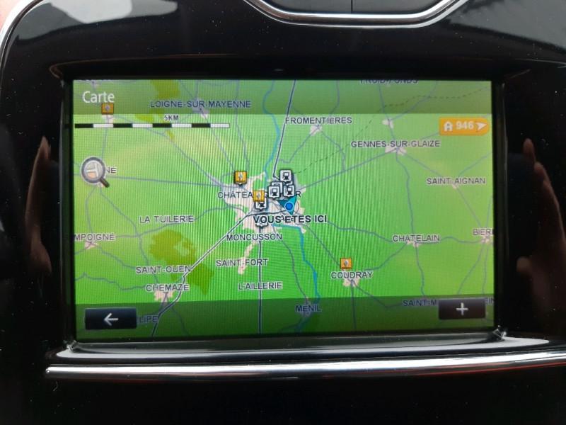 Photo 14 de l'offre de RENAULT CLIO IV ESTATE 0.9 TCE 90CH ENERGY ZEN ECO² à 7990€ chez Carlyss automobiles Vitré