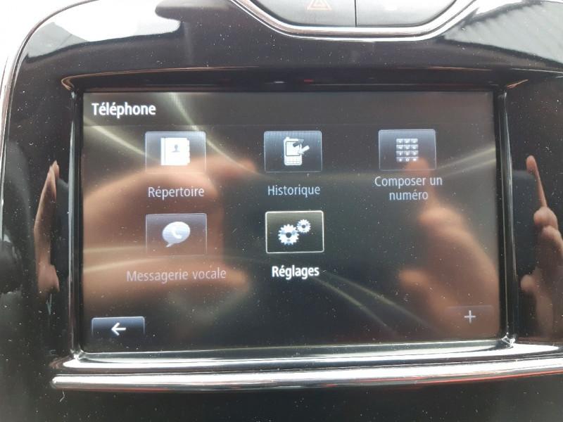 Photo 16 de l'offre de RENAULT CLIO IV ESTATE 0.9 TCE 90CH ENERGY ZEN ECO² à 7990€ chez Carlyss automobiles Vitré