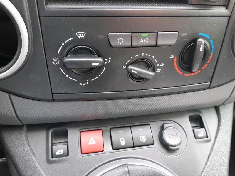 Photo 9 de l'offre de PEUGEOT PARTNER LONG 1.6 BLUEHDI 120CH S&S PREMIUM à 14290€ chez Carlyss automobiles Vitré