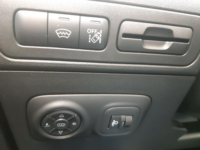Photo 17 de l'offre de CITROEN C3 AIRCROSS BLUEHDI 120CH S&S SHINE à 16490€ chez Carlyss automobiles Vitré