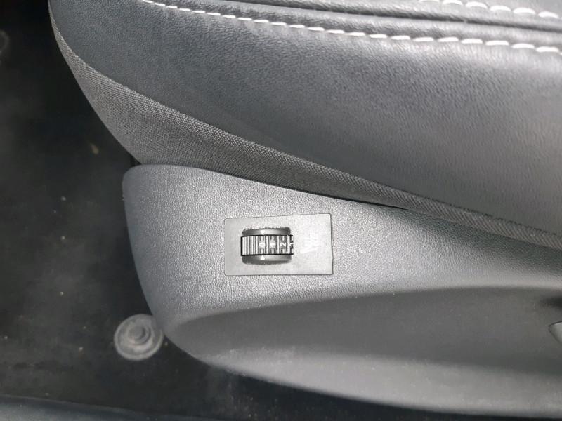 Photo 9 de l'offre de PEUGEOT 2008 1.6 BLUEHDI 120CH ALLURE S&S à 12790€ chez Carlyss automobiles Vitré