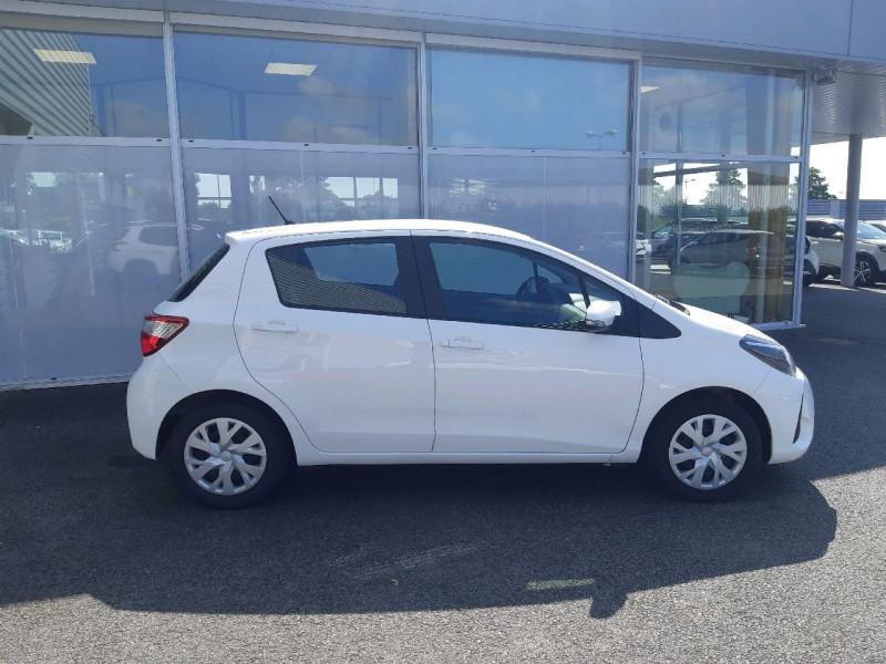 Photo 2 de l'offre de TOYOTA YARIS 69 VVT-I FRANCE 5P à 9990€ chez Carlyss automobiles Vitré