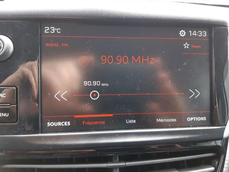 Photo 15 de l'offre de PEUGEOT 2008 1.6 BLUEHDI 120CH GT LINE S&S à 14490€ chez Carlyss automobiles Vitré