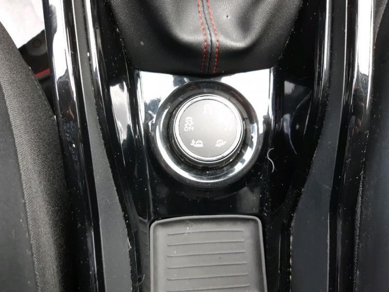 Photo 13 de l'offre de PEUGEOT 2008 1.6 BLUEHDI 120CH GT LINE S&S à 14490€ chez Carlyss automobiles Vitré