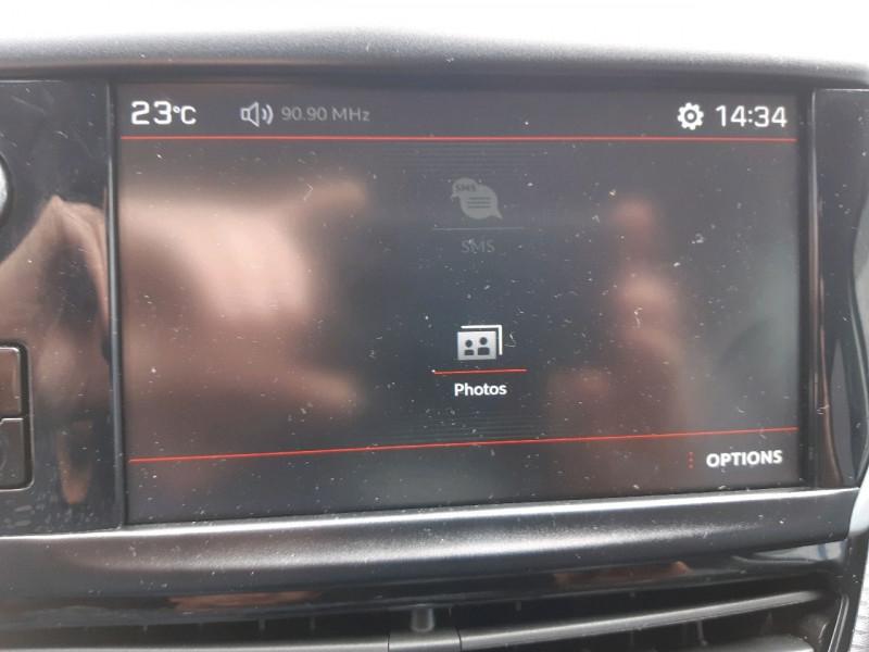 Photo 17 de l'offre de PEUGEOT 2008 1.6 BLUEHDI 120CH GT LINE S&S à 14490€ chez Carlyss automobiles Vitré