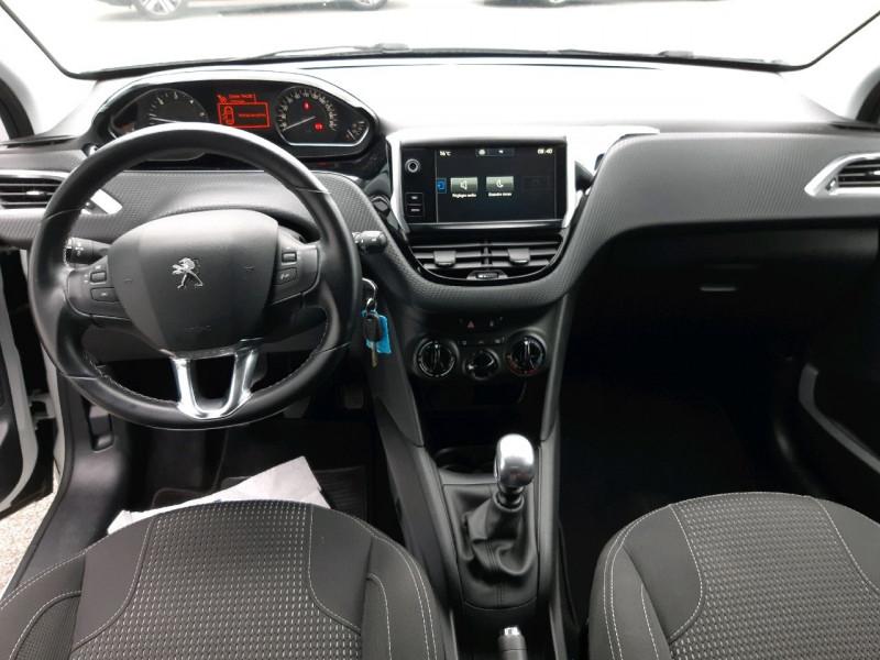 Photo 10 de l'offre de PEUGEOT 208 1.6 BLUEHDI 120CH ALLURE S&S 5P à 12490€ chez Carlyss automobiles Vitré