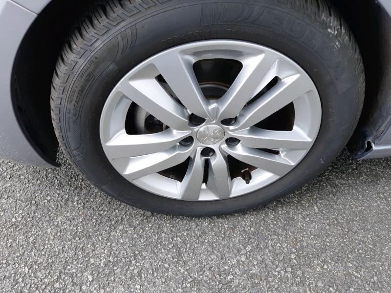 Photo 5 de l'offre de PEUGEOT 308 1.6 BLUEHDI 120CH S&S ACTIVE BASSE CONSOMMATION à 15490€ chez Carlyss automobiles Vitré