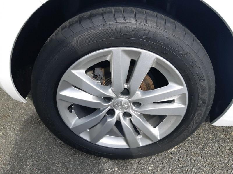 Photo 4 de l'offre de PEUGEOT 308 1.5 BLUEHDI 130CH S&S ACTIVE BUSINESS à 14490€ chez Carlyss automobiles Vitré