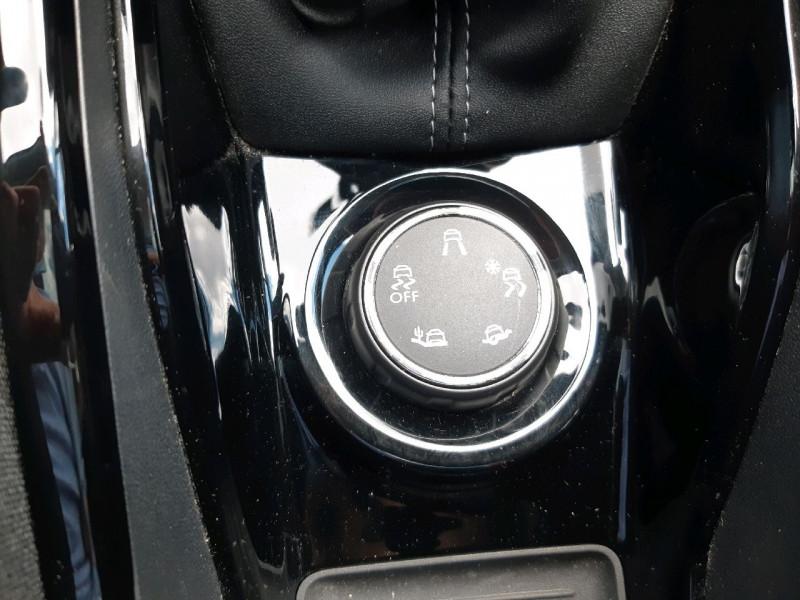 Photo 13 de l'offre de PEUGEOT 2008 1.2 PURETECH 110CH ALLURE S&S à 13490€ chez Carlyss automobiles Vitré